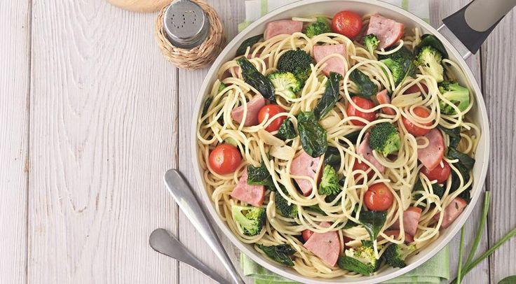спагетти с ветчиной и брококоли