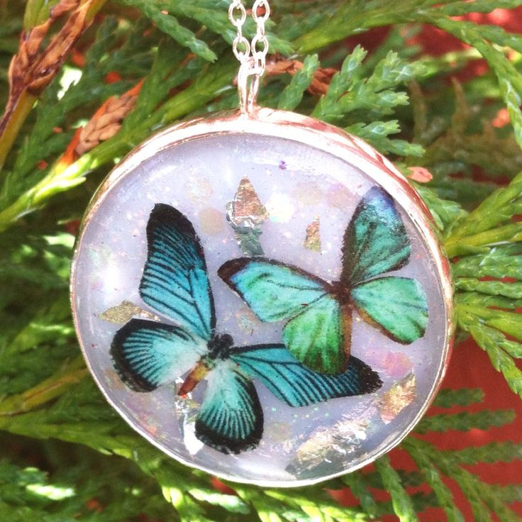 Collaboration... Resin and sterling silver pendant £35  #supermumscraftfair #christmas #gift #butterfly #silverjewellery  http://pict.com/p/BQE