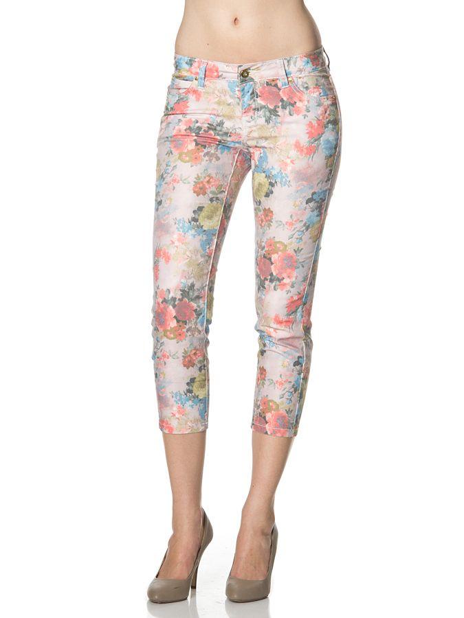 Spodnie w modny wzór kwiatów o długości 7/8. Vero Moda 88 PLN #sale #okazja #limango #moda #zakupy