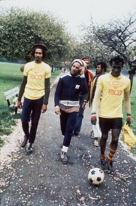 ju1io: Bob Marley Cascarita