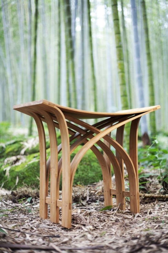 Flexible Bamboo Stool by Grass Studio. This green craft and friendly environment furniture products is the flexible bamboo stools created by Taiwan-based Grass Studio.
