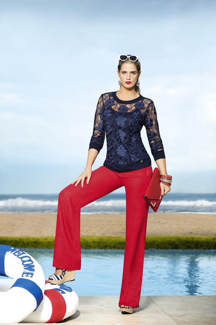 Ref. 475002: Blusa en blonda bordada (Incluye básica color azul navy) - Ref. 434202: Pantalón en lino