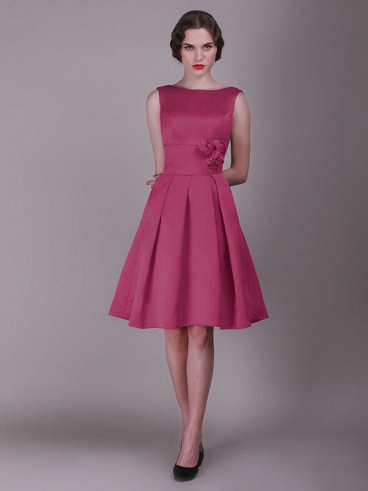 This is the bridesmaids dresses i want!!! so vintage, now all i need is the proposal and the color choice...ha hah a