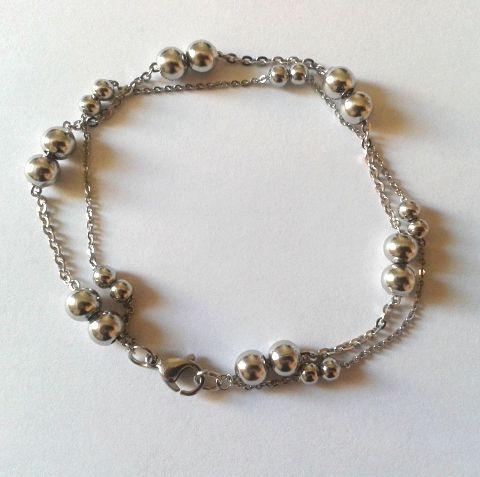 Bracelet double en acier - Matière : Acier inoxydable - Longueur : 19 cm - Fermoir mousqueton - http://www.cemonstyle.com/contents/fr/p136_Bracelet_femme_double_en_acier.html