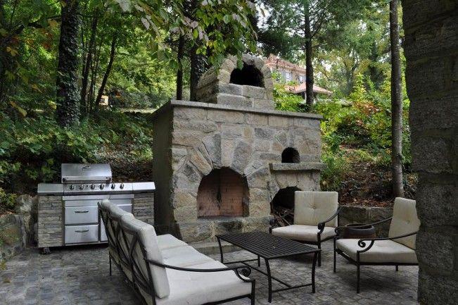 This is our current outdoor furniture. Costruzione di un forno da giardino in pietra naturale