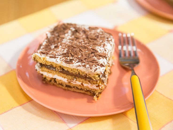 Get this all-star, easy-to-follow Sunny's Magical No-Bake S'mores recipe from Sunny Anderson