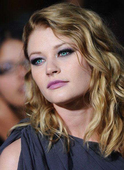 Emilie de Ravin. I love her makeup.