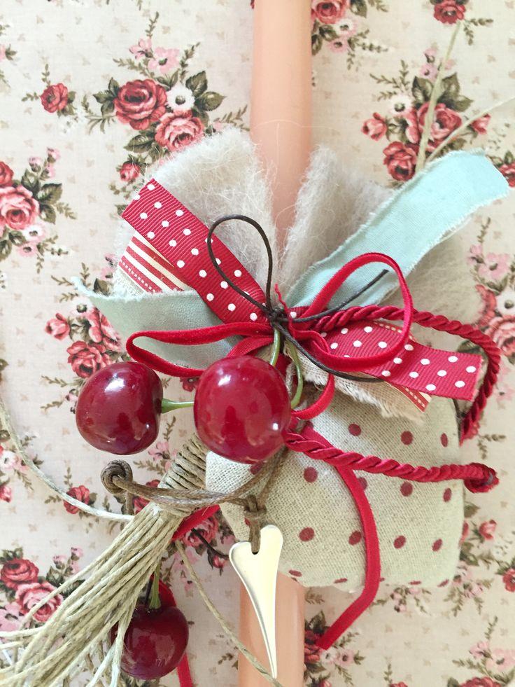 Χειροποίητη ροζ λαμπάδα με κερασάκια, υφασμάτινη πουά καρδιά και μεταλλική μικρή καρδιά. Βρείτε την εδώ http://www.smallthings.gr/product-category/spring-summer/