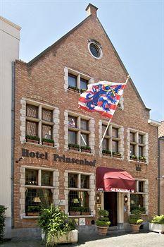 Dit romantische 4-sterren hotel gelegen in het historische centrum van Brugge kunt u boeken op: http://www.venere.com/nl/belgie/brugge/ .U heeft keuze tussen tientallen hotels in alle prijsklassen.