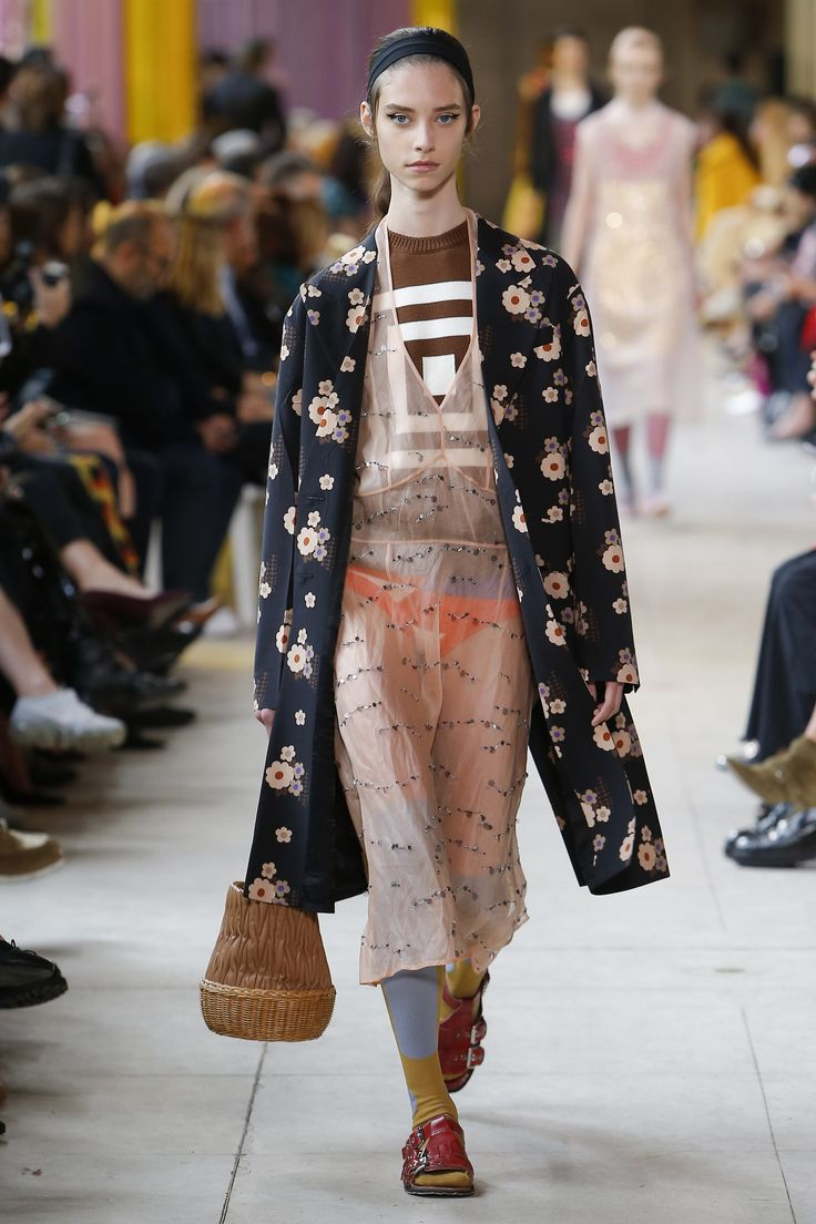 Miu Miu Spring 2018 Ready-to-Wear  Fashion Show - Sophie Martynova