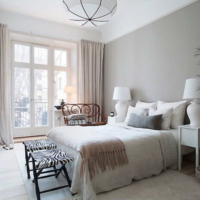 "34 gilla-markeringar, 3 kommentarer - Stylist Eva Köhlqvist (@evastylist.pj) på Instagram: ""Bedroom #interior #design #decor #evamähler #flos #stockholm #decor #thonet #work # decorinterior #"""