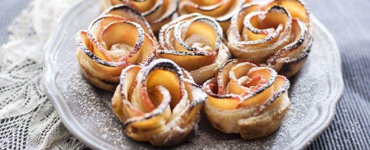 Le rose di mele fatte in casa sono amore allo stato puro: la ricetta semplice per un dolce che più scenografico non si può - ELLE.it