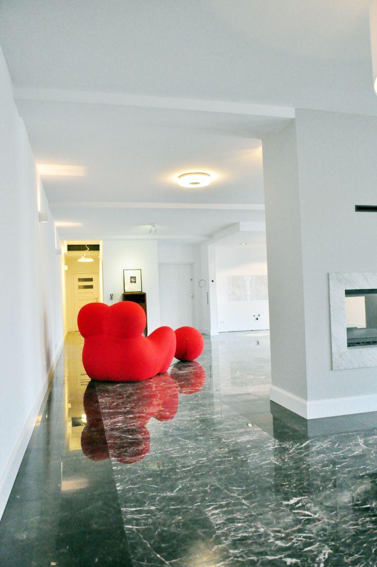 frankfurt heusenstamm luxury loft with black marble foor die design fabrik luxus loft. Black Bedroom Furniture Sets. Home Design Ideas