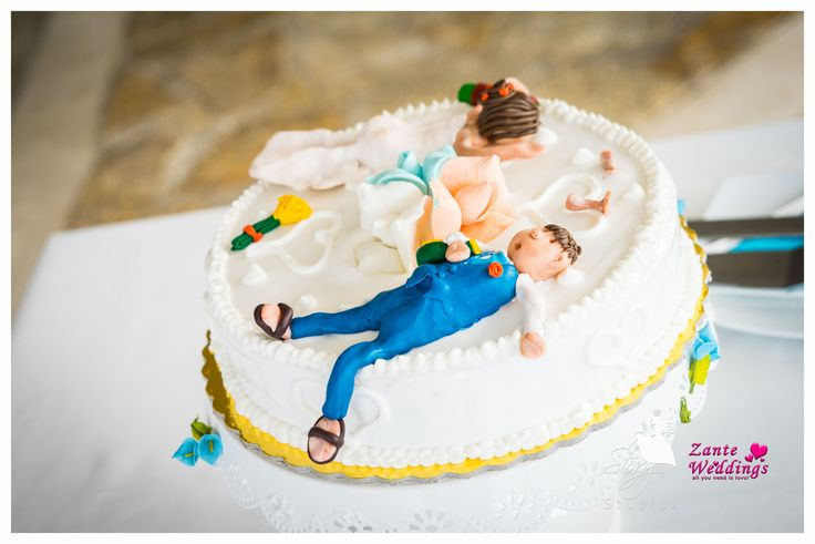 Funny wedding topper of the bride and groom!