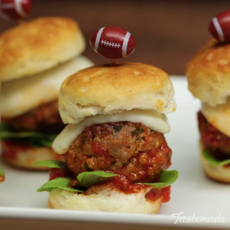 No matter what team you're rooting for, you're sure to win your Super Bowl party with these Italian Meatball Sliders.
