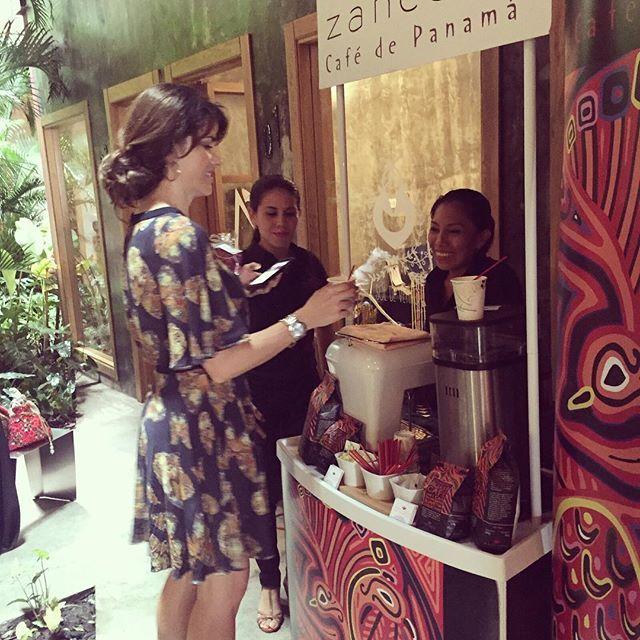 Zancona Café y su degustación de cafés panameños premium en #gallerymarketpty ☕️☕️☕️ Dónde? Hotel Casa Panamá Cuando? 19 y 20 de Noviembre Horario? De 9 a 19hrs  VALET PARKING DURANTE TODO EL EVENTO  #coffee #cafe#goodmorning #gallerymarketpty #hotelcasapanama #lazotea #pty #planesenpanama #oyepanama #quehacerenpanama #repostpanama #foodies #follow #f4l #f4f #regalos #navidad #regalacafe#market #bazar#zanconacoffee #zanconacafe