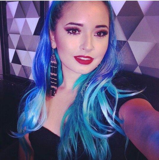Laura sanchez blue hair makeup