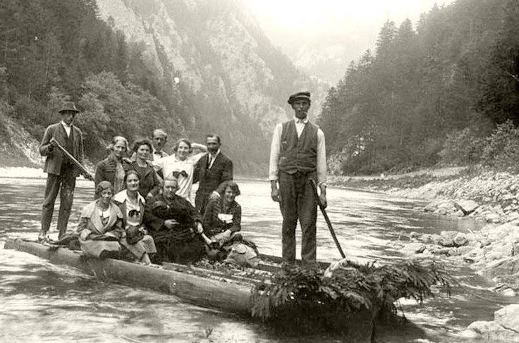 Atrakcja Pienin słynny spływ przełomem Dunajca , tradycja od pierwszej połowy 19 wieku.