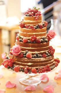 Victoria sponge wedding cake. If I weren't having a traditional wedding cake, this is what I would go for. Would be delicious as morning after breakfast coffee cake!