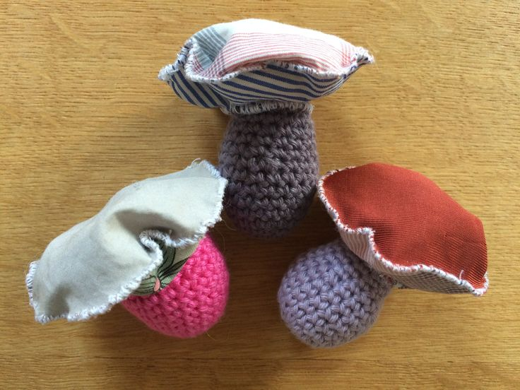 Lavendel sachet mushrooms - upcycled clothes and yarn.