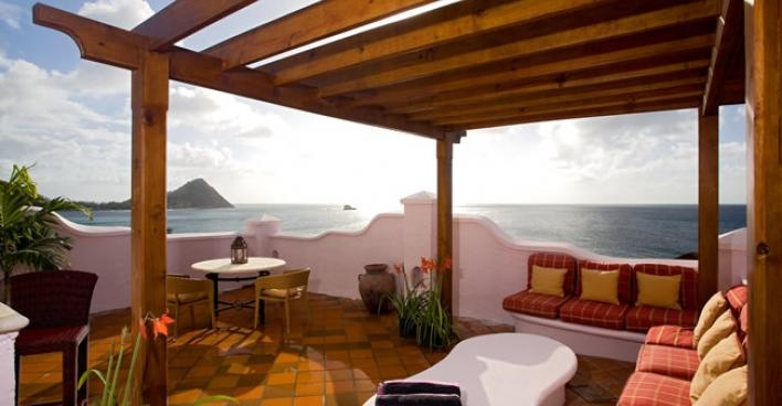 Cap Maison is the perfect example that shows family-run boutique hotels are always the best.  The team at this gorgeous boutique hotel in north west St Lucia are very much in the know.  They know their guests and know what they expect.