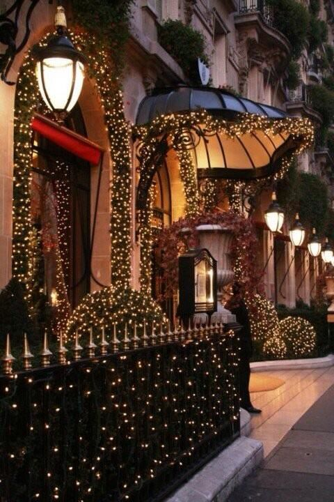 17 best images about francia paris hotel plaza athenee on pinterest plaza hotel hotel. Black Bedroom Furniture Sets. Home Design Ideas