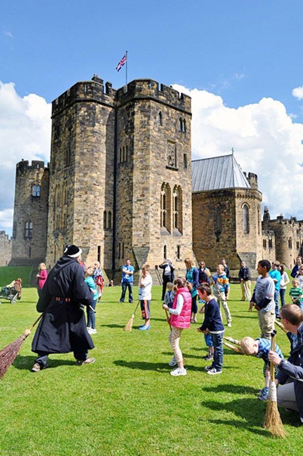 England, Alnwick Castle (Hogwarts)