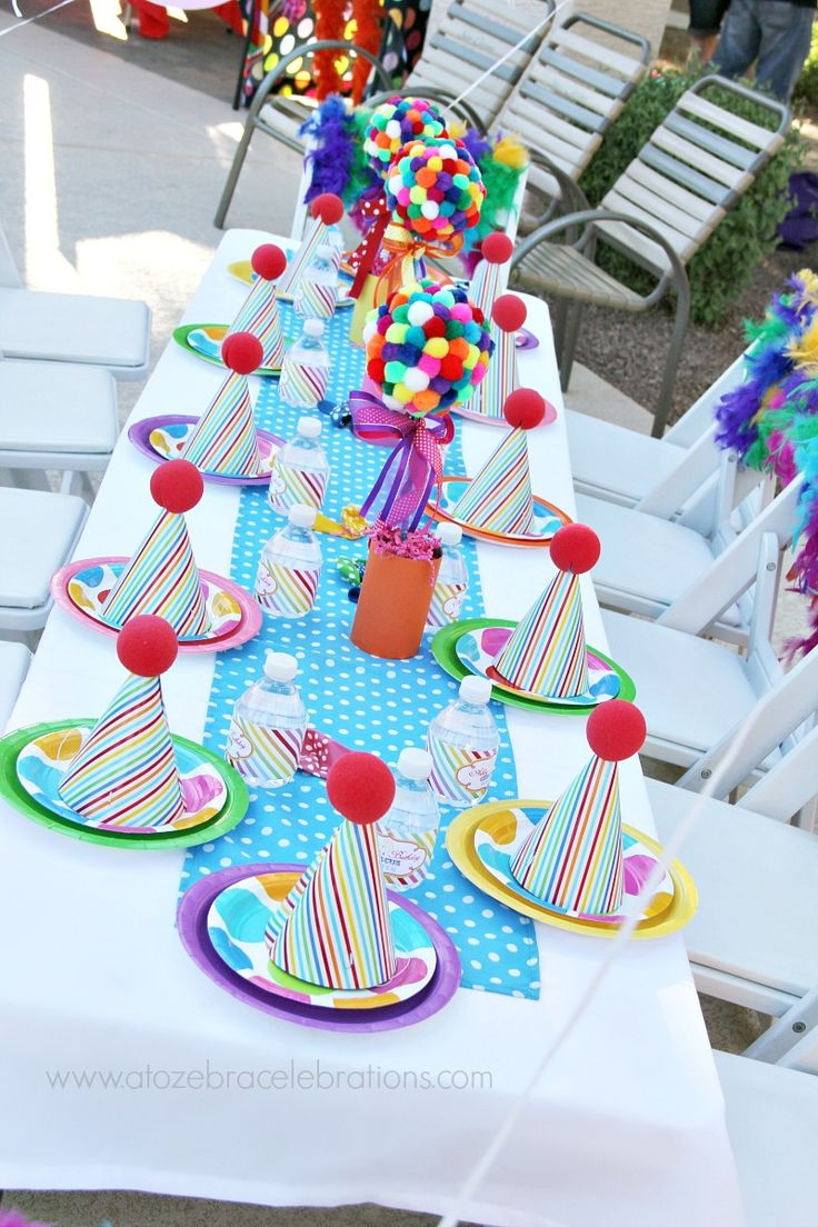 1000 ideas about circus theme centerpieces on pinterest circus theme party circus theme. Black Bedroom Furniture Sets. Home Design Ideas