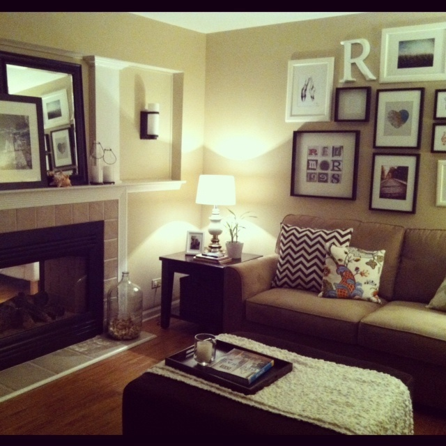 17 best images about snug family room on pinterest for Front room furniture