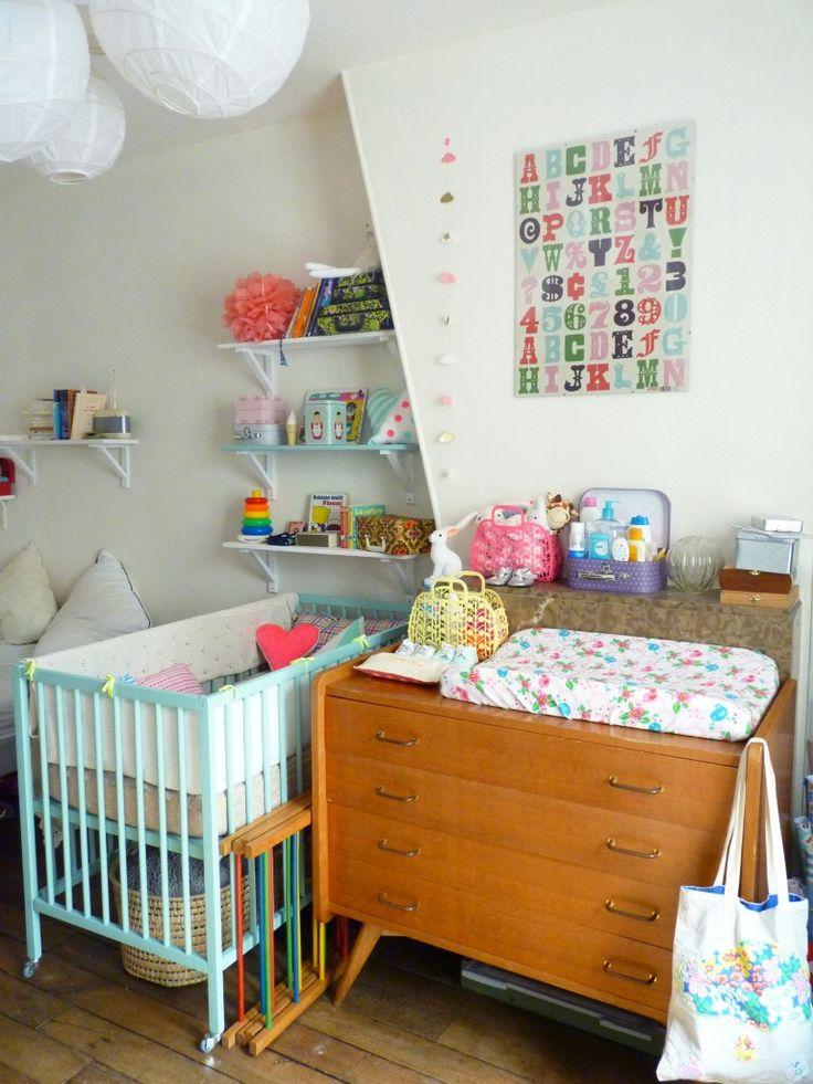Chambre vintage pour bébé grâce à la récup de maman.