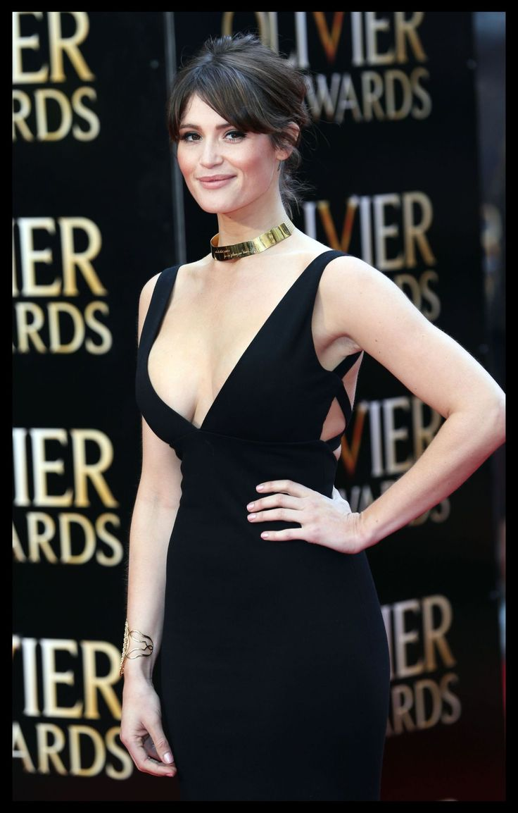 gemma-arterton-2015-olivier-awards-in-london_22.jpg (1280×2007)