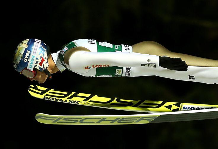 PŚ w Klingenthal. Polacy wygrali konkurs drużynowy | Sporty Zimowe  w Sport TVN24