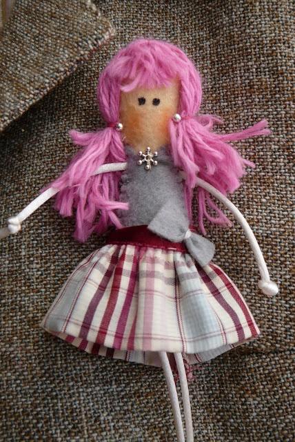 Anilegra moda para muñecas: Muñecas ayudando contra el cancer