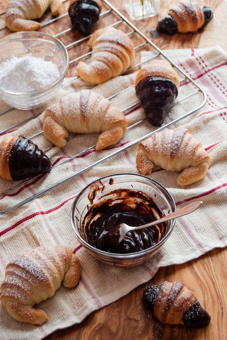 La asaltante de dulces: Receta de croissants fáciles sin huevo y sin mantequilla/ Healthy and easy croissants. Delicious!