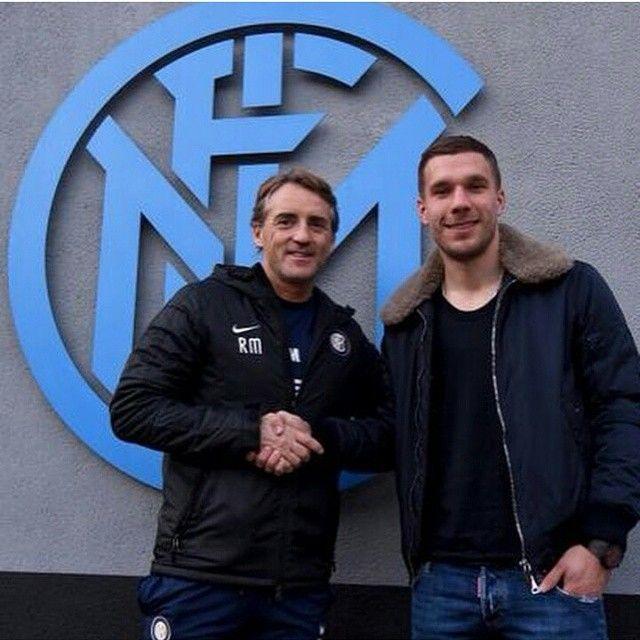#Mancini accoglie il nuovo acquisto #Podolski #Inter