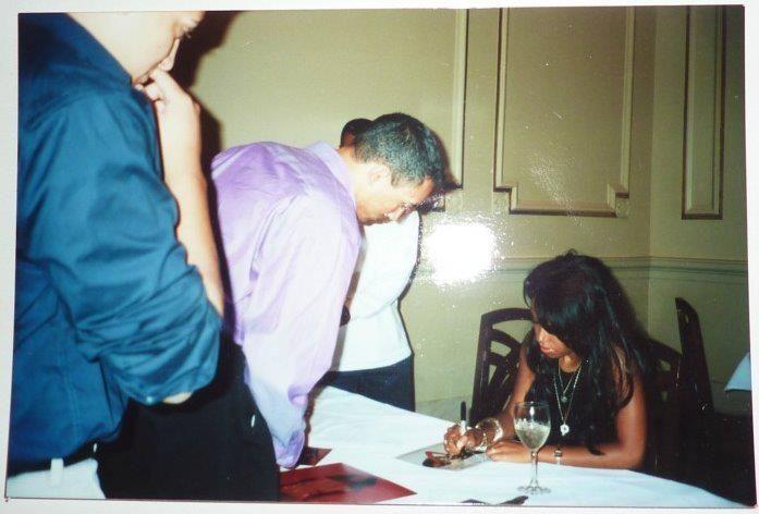 AALIYAH Album Signing 2001 at B.Smith's at Union Station in Washington DC *RARE*   - aaliyah Photo