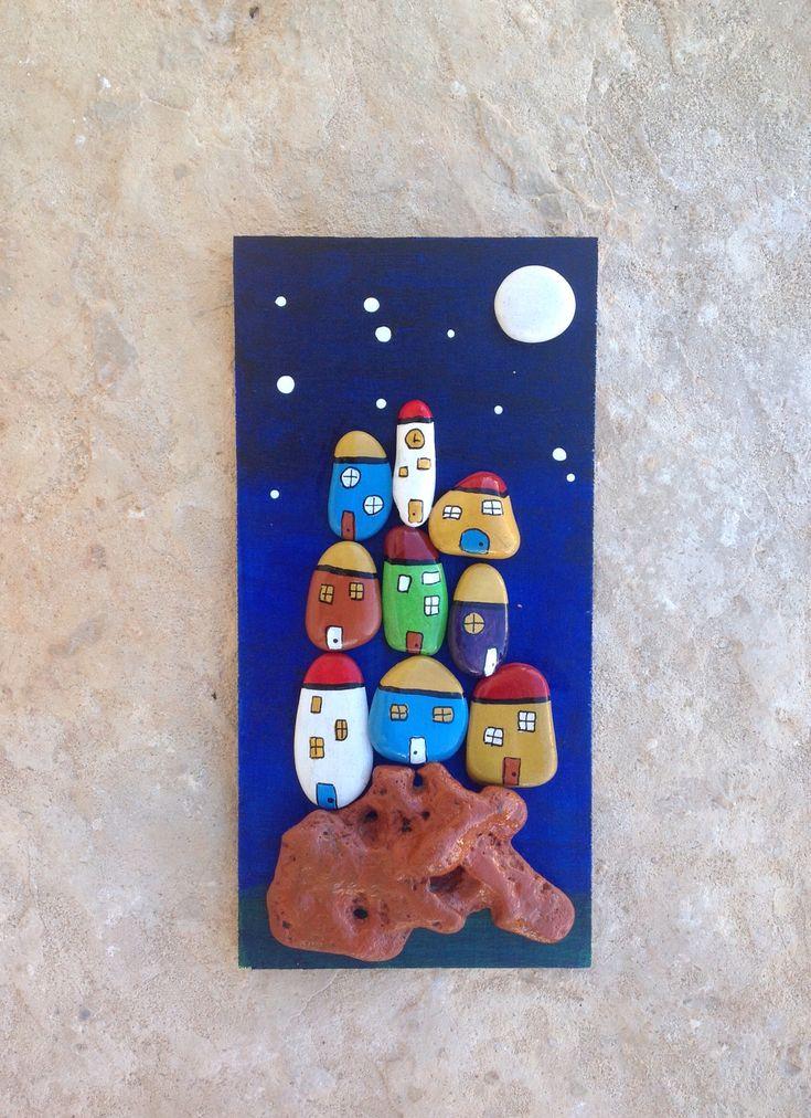 Pequeño pueblo. Piedras pintadas a mano. Sonia Cifuentes. Si te gusta y quieres uno ponte en contacto conmigo.