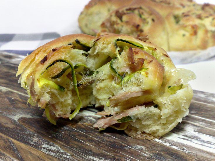Torta di rose salata, zucchine e tonno | Oltre le MarcheOltre le Marche