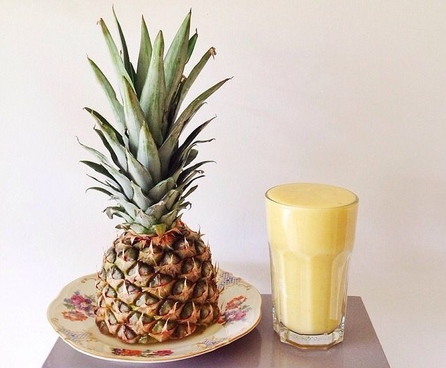 Смузи (smoothie) 1/2 ананаса 1 груша  3 желтые сливы 2 стебля седьдерея (Inspired by Instagram nevajah)