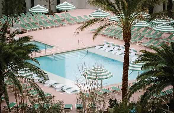 Sunset Sessions And Vinyl Thursdays Make Their Debut This Summer At Park Mgm In Las Vegas Las Vegas Pool Las Vegas Hotel Deals Mgm Las Vegas