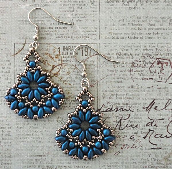 Linda's Crafty Inspirations: ADwade SuperDuo Earrings - Blue & Silver
