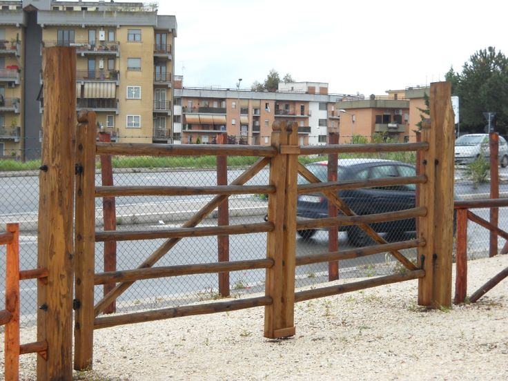 cancello in legno, maremmano