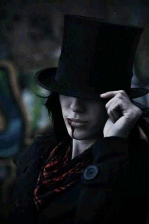 Gunari Noctis Stronitekya, male vampire.