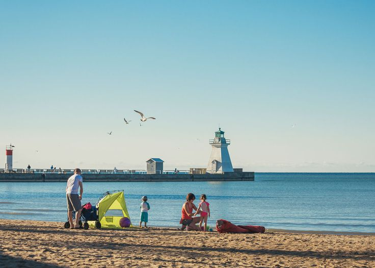 Get to these 5 Lake Erie gems in a flash Sit in traffic or stroll in the sand? It seems like a pretty easy choice, yet each weekend thousands of Ontarians continue to fight cottage country traffic to reach the beach.