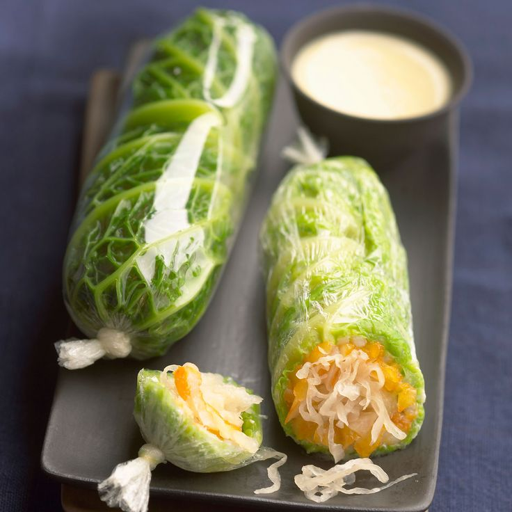 Découvrez la recette Rouleaux de printemps de chou vert sur cuisineactuelle.fr.