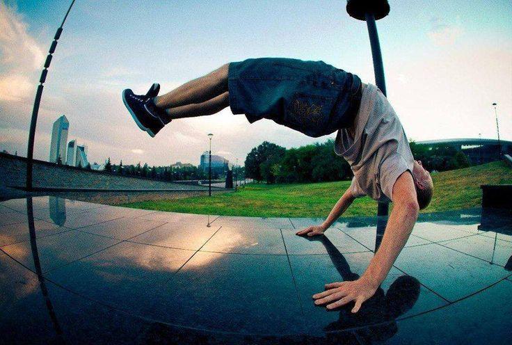 Crazy handstand bend!
