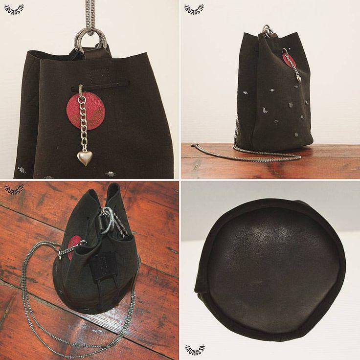 La piccolissima Jewelbag n.°027. Unica, in morbidissima pelle nera opaca con piccolissimi ciondoli d'argento (provenienti da vecchi braccialetti d'argento). #lagrassa #handmade #design #bags...