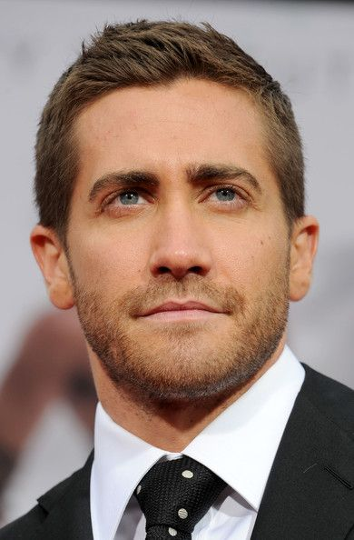 """Jake Gyllenhaal Photos - Actor Jake Gyllenhaal arrives at the premiere of Walt Disney Pictures' """"Prince Of Persia: The Sands Of Time"""" held at Grauman''s Chinese Theatre on May 17, 2010 in Hollywood, California. - Premiere Of Walt Disney Pictures' """"Prince Of Persia: The Sands Of Time"""""""