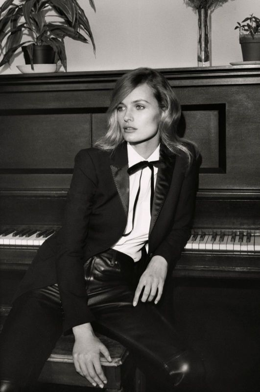 edita vilkeviciute black white2 Edita Vilkeviciute Poses for Mark Peckmezian in Black & White for Holiday Magazine