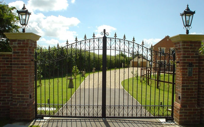 http://detectionsecurity.co.uk The gate systems we supply come with a full guarantee and are available for swing or sliding gates. Automation equipment such as electric gate motors will last for many years, ensuring your electric gate system gives you many years of service.    If you would like us to look at your existing gates, to provide a quotation to automate them or to provide a survey for the complete system, please